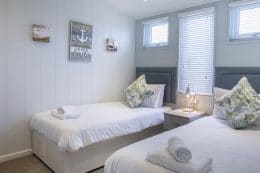 Harlyn Plus 6-The Harlyn Plus Lodge